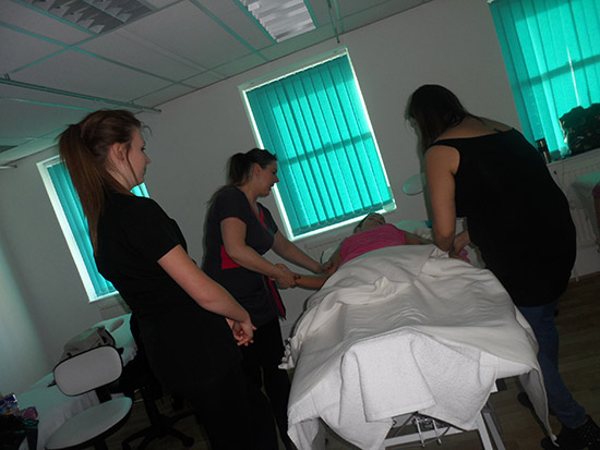 beauty parlour course at beaulaz